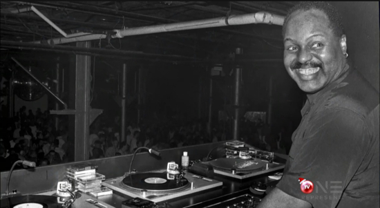 Frankie Knuckles in the booth at Sound Factory